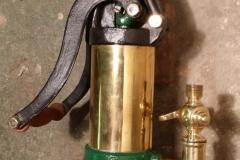 Vzdušní čerpadlo s pákou s mosazným cylindrem - americký model
