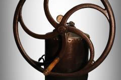 Vzdušní kotel s namontovaným vzdušním čerpadlem