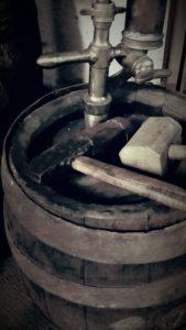 Ztužovací kladivo - sedlík
